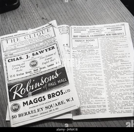"""1947, England, zeigt Bild Kopien von """"Die Clique"""", ein Spezialist antiquarische Bookdealers Branchenbuch Stockbild"""