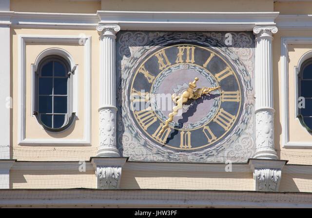 Alte Uhr auf dem Turm des alten Rathauses, Ingolstadt, Bayern, Deutschland, Europa I Uhr bin Rothenburgs, Altes Stockbild