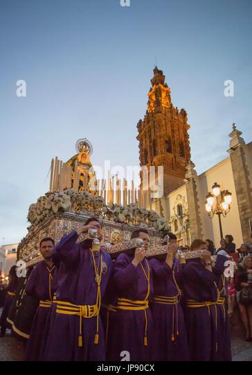 Spanien, Extremadura Region Jerez de Los Caballeros Stadt, Karfreitag Parade, San Miguel Church Stockbild