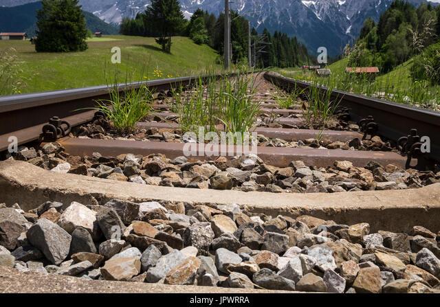 Deutsche Bahn Bahnhof in der Nähe von Mittenwald, Bayern, Deutschland Stockbild