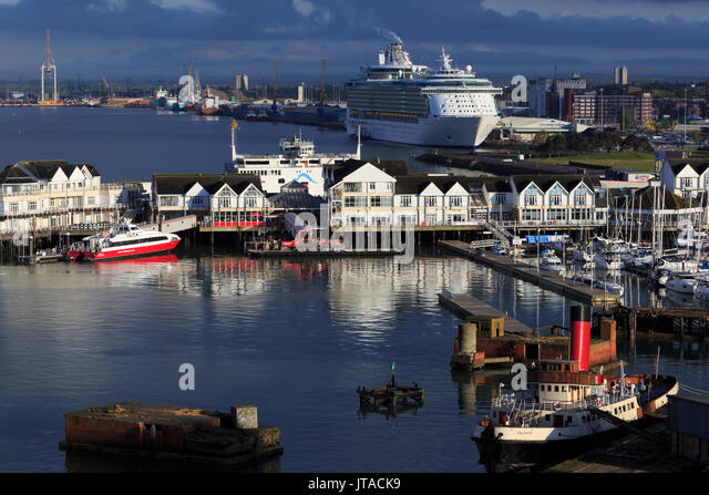 Stadt Kai, Hafen von Southampton, Hampshire, England, Vereinigtes Königreich, Europa Stockbild