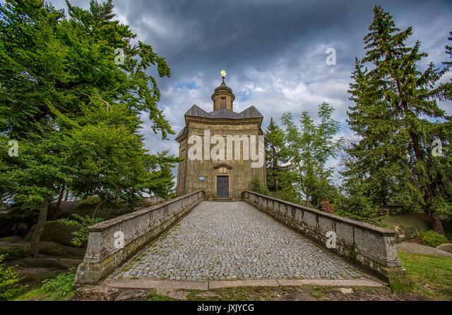 "Weihe der Basilika ""Santa Maria Maggiore"" Kapelle (kaple Panny Marie Snezne) am Broumov Wände Berge Stockbild"