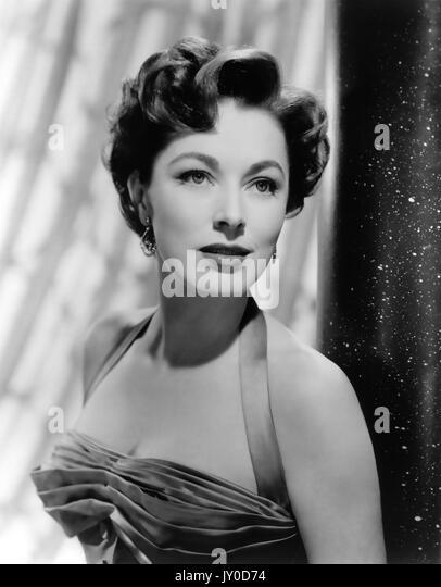 ELEANOR PARKER (1922-2013) US-Schauspielerin in 1954 während der Dreharbeiten zu Der nackte Dschungel Stockbild