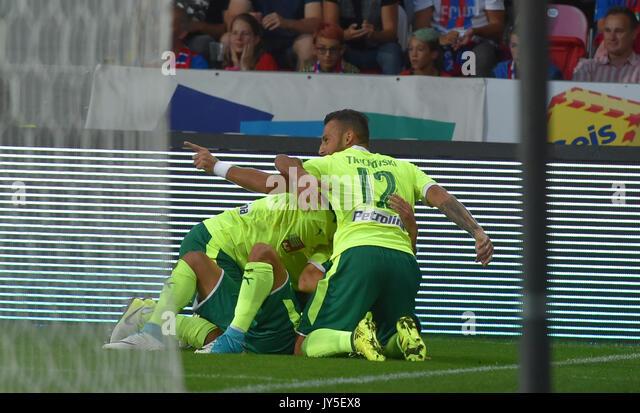 Ivan Trickovski (Larnaca) feiert ein Ziel während der 4. Runde der Play-off-UEFA Europa League Fußball Stockbild