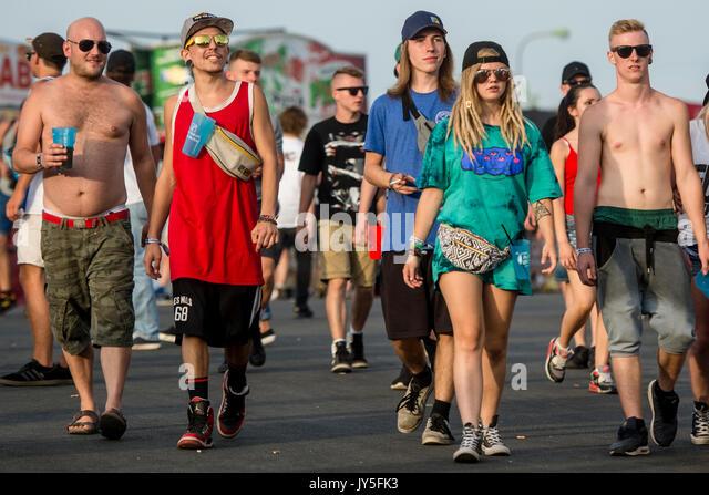 Besucher am ersten Tag des Hip Hop Kemp Musik Festival im Festivalpark in Hradec Kralove, Tschechische Republik, Stockbild