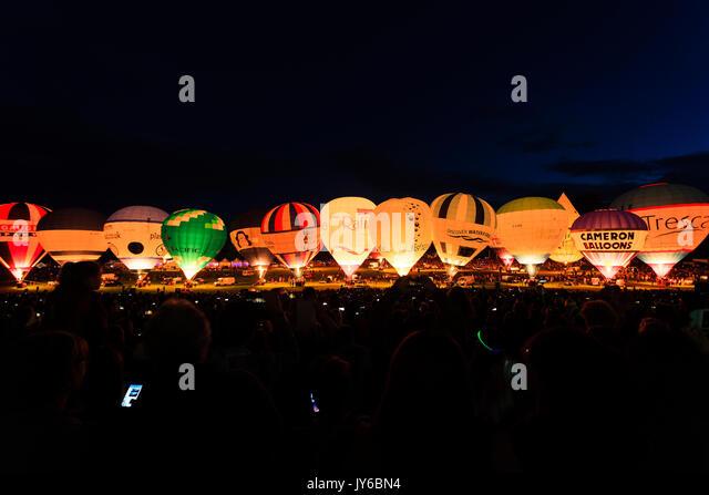 Ein Blick auf die Nacht Leuchten an der Bristol Balloon Fiesta 2017 Ashton Court, Bristol. Stockbild