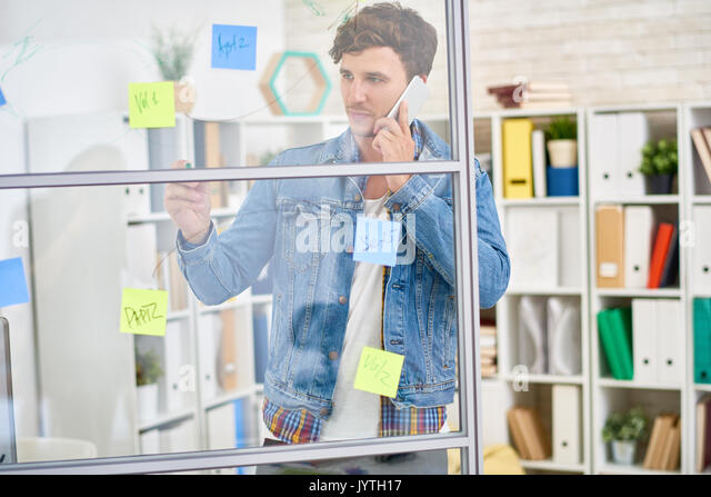 Junge Unternehmer Planung Projekt Stockbild