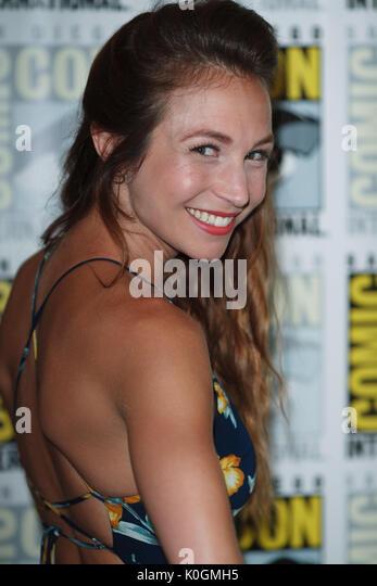 """San Diego Comic Con 2017 - """"wynonna Earp"""" - Fotoshooting mit: Dominique Provost-Chalkley Wo: San Diego, Stockbild"""