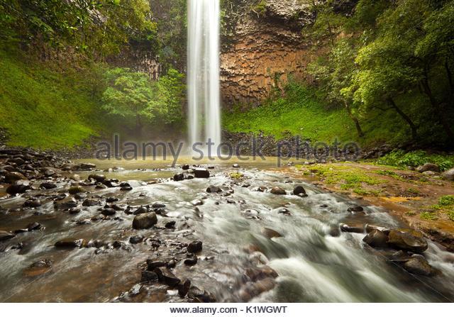 Die schönen Wasserfall Chorro Las Palmas, Area Recreativa El Salto de Las Palmas, Provinz Veraguas, Republik Stockbild