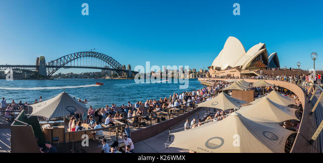Gastronomie, Sydney Opera House, der Harbour Bridge, Sydney, New South Wales, Australien Stockbild