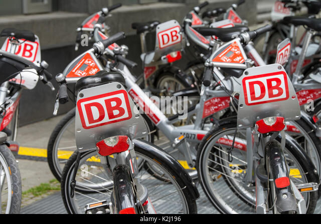 Fahrräder aus ein Fahrrad der Deutschen Bahn Anruf Stockbild