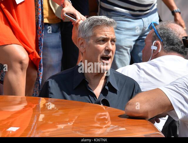 """Venedig, Italien. 02 Sep, 2017. Us-Schauspieler und Regisseur George Clooney kommt für die Premiere des uburbicon"""" Stockbild"""