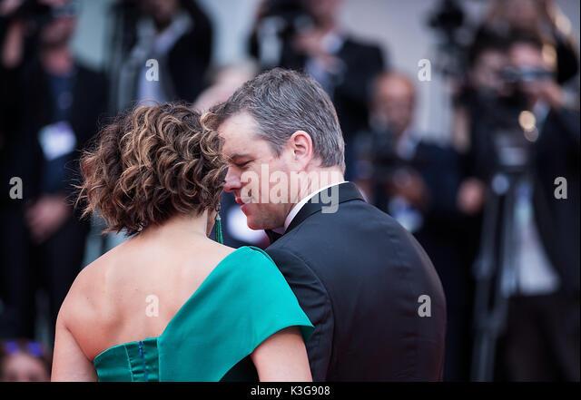 Venedig, Italien. 2. Sep 2017. Schauspieler Matt Damon (R) und seine Frau Luciana Barroso teilnehmen die Premiere Stockbild