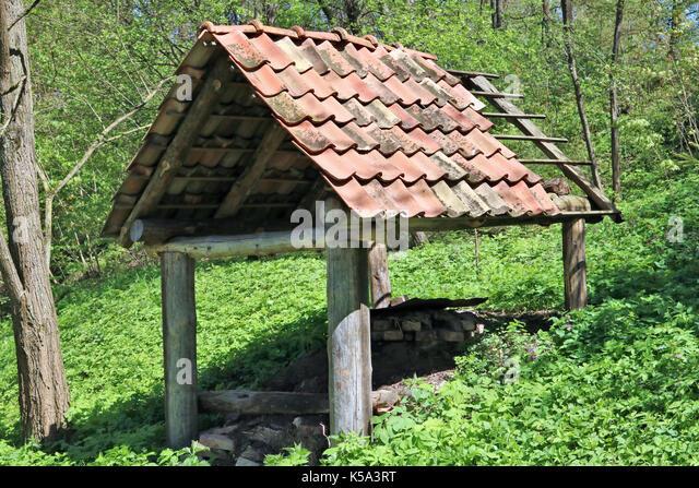 wood pile shed house stockfotos wood pile shed house bilder alamy. Black Bedroom Furniture Sets. Home Design Ideas