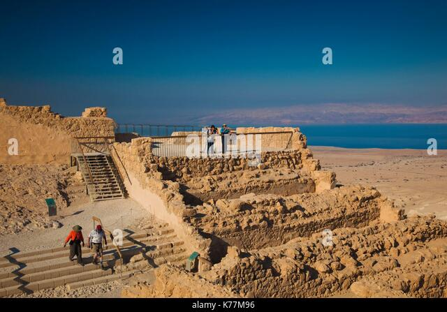Israel, Totes Meer, Masada, Ruinen auf dem Plateau von Masada Stockbild