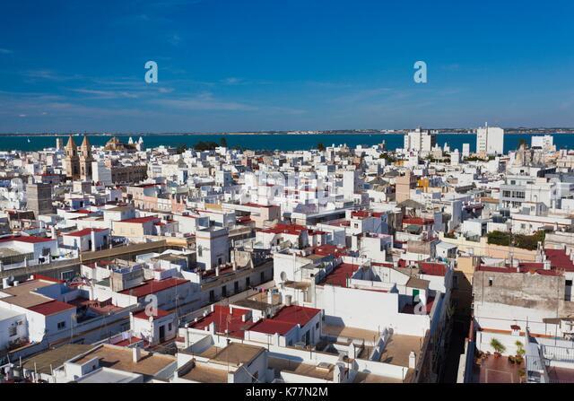 Spanien, Andalusien, Provinz Cadiz, Cadiz, erhöhten Blick auf die Stadt vom Turm Torre Tavira Stockbild