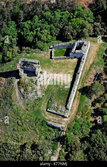 Frankreich, Cantal, das Schloss von Miramont befindet sich an den Hängen des Berges Alaric, nur wenige Kilometer Stockbild