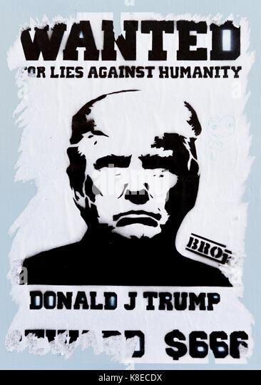 Poster mit dem Präsidenten der USA, Donald Trump, Beschriftung wollte für Lügen gegen die Menschlichkeit, Stockbild