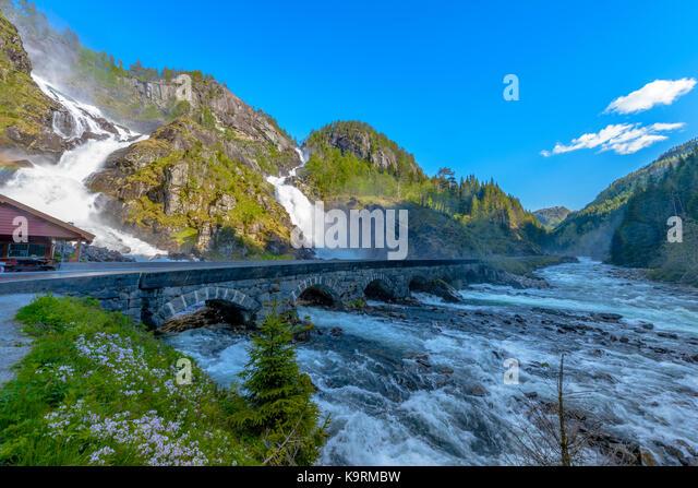 (Latefossen Latefoss) - einer der schönsten Wasserfälle in Norwegen, Skandinavien Stockbild
