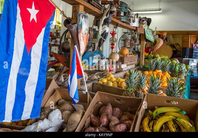 Miami, Florida. Little Havana kubanische Obst lagern, Los Pinarenos Fruteria. Stockbild
