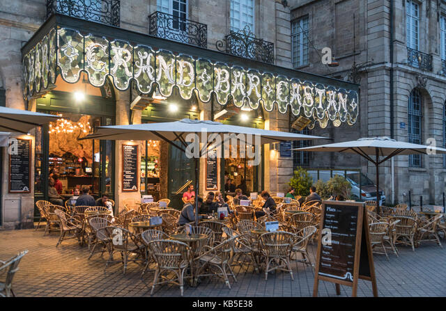 Quai de la Douane, Grand Bar Castan, Street Cafe, Bordeaux, Frankreich Stockbild