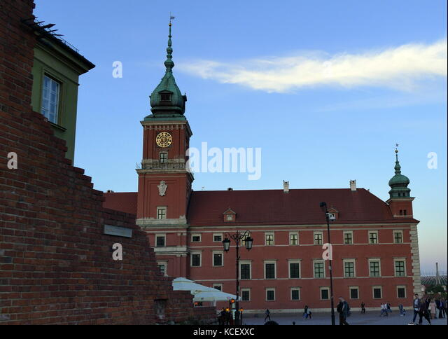 Foto: Das königliche Schloss in Warschau (Zamek krolewski w Warszawie), der früher als die offizielle Stockbild