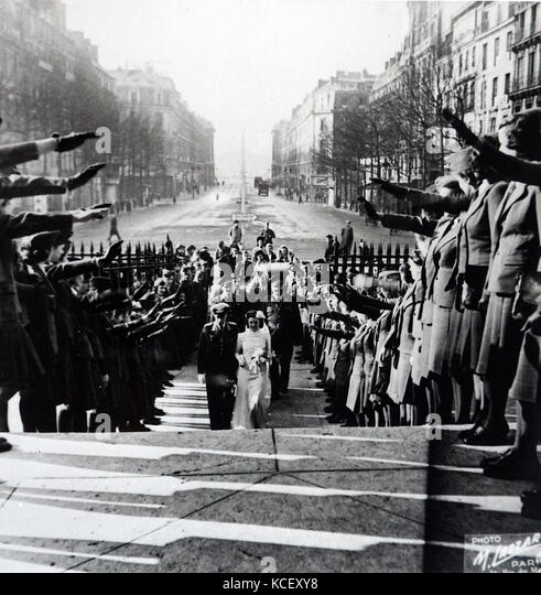 Foto deutscher Offizier in der Armee und seine Braut in Paris 1941 verheiratet zu sein, während des Zweiten Stockbild