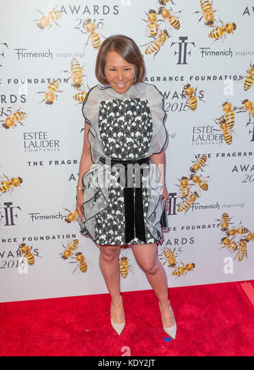 New York, NY - 17. Juni 2015: Alina cho besucht 2015 Fragrance Foundation Awards in der Alice Tully Hall im Lincoln Stockbild