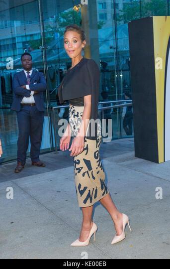 New York, NY - 17. Juni 2015: Hannah Davis besucht 2015 Fragrance Foundation Awards in der Alice Tully Hall im Lincoln Stockbild