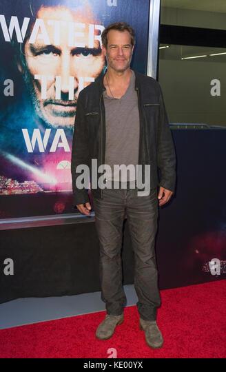 New York, NY - 28. September 2015: Josh stamberg besucht Roger Waters the wall New York Premiere auf Ziegfeld Theater Stockbild