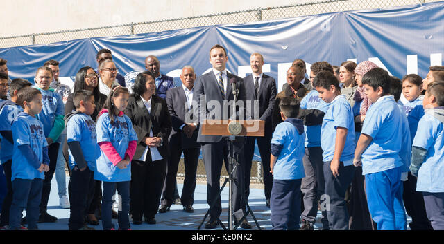 New York, Vereinigte Staaten. 17 Okt, 2017. New York, NY - 17. Oktober 2017: Patrick pierce Etihad Airways vice Stockbild