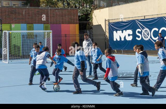 New York, Vereinigte Staaten. 17 Okt, 2017. New York, NY - 17. Oktober 2017: nyc fc vorwärts David Villa spielt Stockbild
