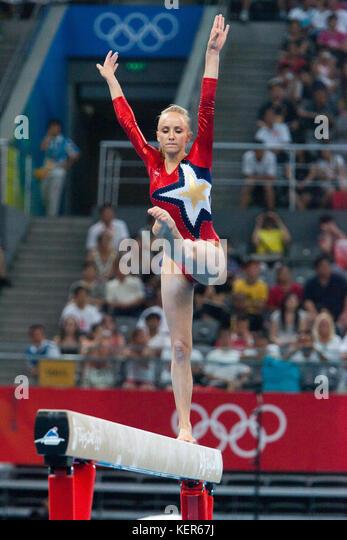 Nastia Liukin (USA) auf dem Schwebebalken in der Frauen Qualifikation bei den Olympischen Sommerspiele in Peking, Stockbild