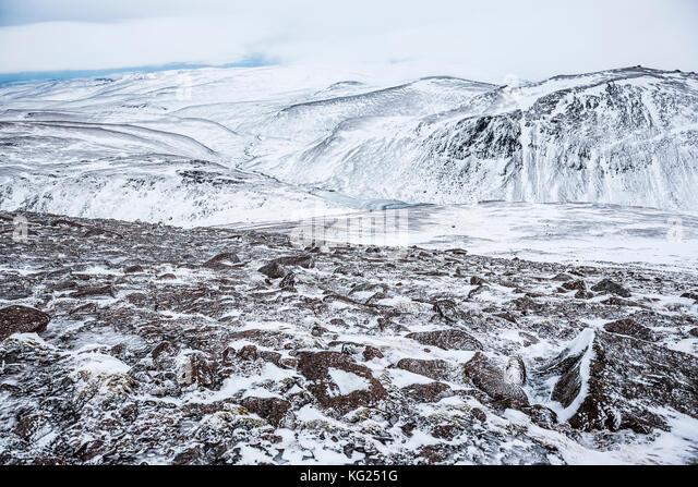 Cairngorm Mountain im Schnee im Winter, Cairngorms National Park, Schottland, Großbritannien, Europa Stockbild