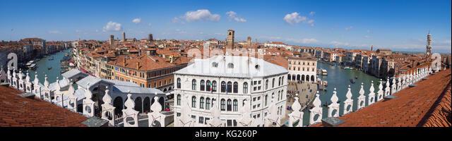 Blick auf den Canal Grande von der Terrasse des Fondaco dei Tedeschi, Venedig, UNESCO-Weltkulturerbe, Venetien, Stockbild