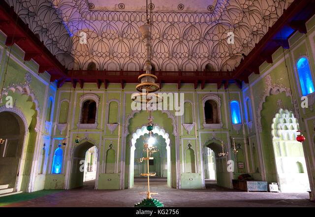 Innenraum der chota Imambara, gebaut als Gemeinde Halle für die schiitischen Muslime von Muhammad Ali Shah Stockbild