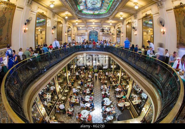 Confeitaria Colombo, Jugendstil Architektur innerhalb der traditionellen Konditor und Restaurant in der Innenstadt Stockbild