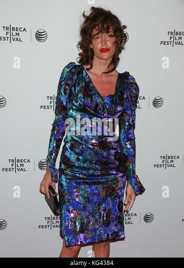"""Schauspielerin Paz De La Huerta besucht die """"nackte"""" Premiere während des Tribeca Film Festival 2015 Stockbild"""