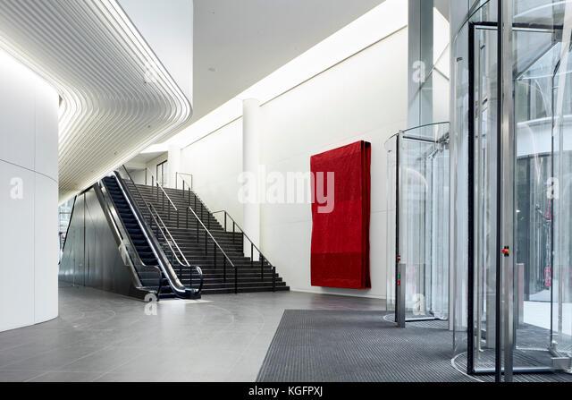 Schrägansicht in Richtung Eingang foyer. Engel, London, Großbritannien Architekt: Fletcher Priester Architekten Stockbild