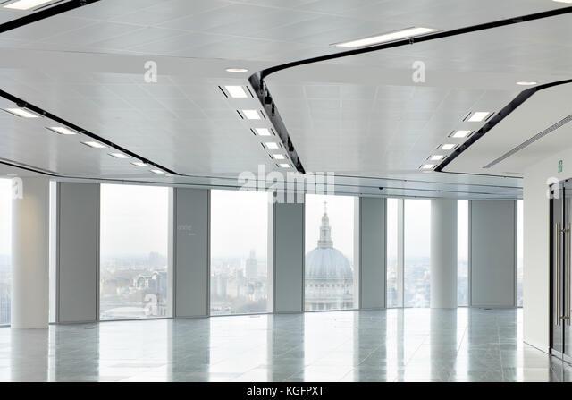 Blick auf Office Platte mit St Pauls im Hintergrund. Engel, London, Großbritannien Architekt: Fletcher Priester Stockbild