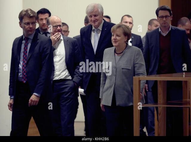 Berlin, Deutschland. 19 Nov, 2017. die Verhandlungsdelegation der CDU/CSU mit der Parteivorsitzende Bundeskanzlerin Stockbild