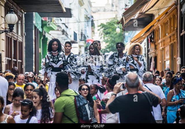 Tanzen Straßenkünstler in Havanna, Kuba Stockbild