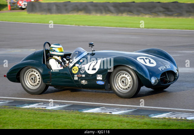 1954 Cooper t33 Jaguar im Besitz und unter der Leitung von Katarina kyvalova Racing in Goodwood Revival 2017 angetrieben. Stockbild