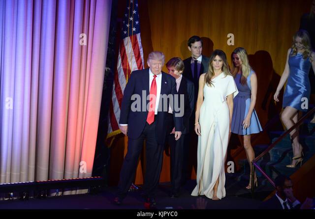 New York, New York - November 09: Republikanische Präsident elect Donald Trump erkennt der Gast mit seinem Stockbild