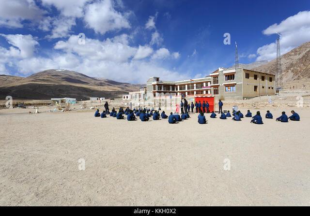 Morgendliche Routine in der Nomad Residential School an Puga, Ladakh, Jammu und Kaschmir, Indien. Stockbild