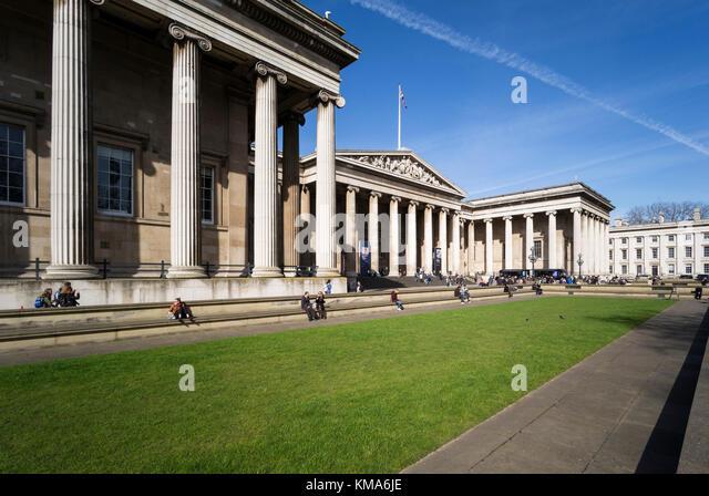 London England. griechischen Revival Äußere des British Museum, entworfen von Sir Robert Smirke (1780 Stockbild