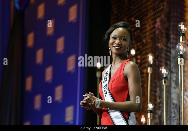 Miss usa 2016 deshauna Friseur spricht während der USO Gala an der Töchter der amerikanischen Revolution Stockbild