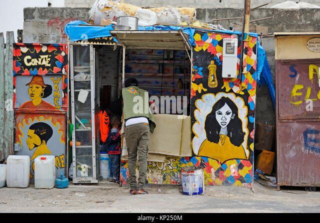 Billig Friseursalon, Medina Bezirk, Dakar, Senegal, Westafrika. Stockbild