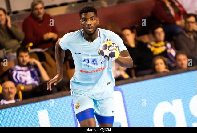 Leon, Spanien. 16. Dezember, 2017. Dika Mem (FC Barcelona) in Aktion während der Handball Match von 2017/2018 Stockbild