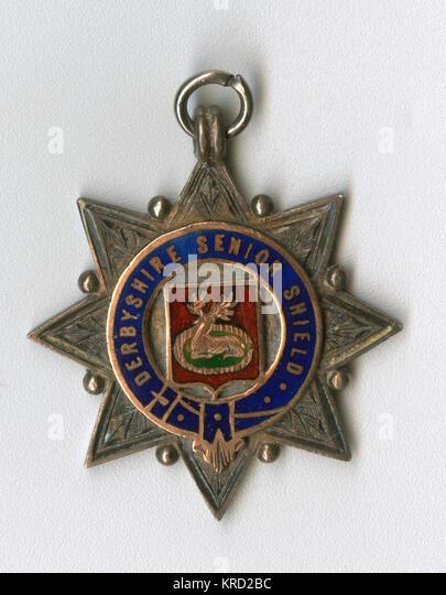 Sport Medaille der Derbyshire Senior Shield, vergeben die Plätze in der Saison 1908-1909. Eine sternförmige Stockbild